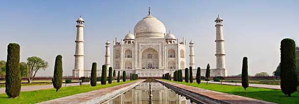 Taj Mahal, Agra Taj Mahal, Agra, Uttar Pradesh, India taj mahal stock pictures, royalty-free photos & images