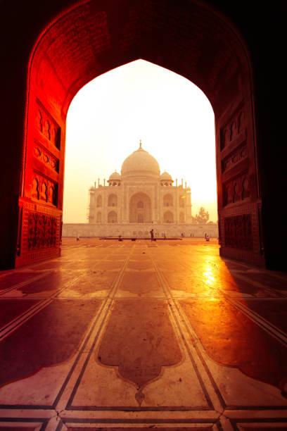 Taj Mahal, Agra, Uttar Pradesh Taj Mahal, Agra, Uttar Pradesh, India taj mahal stock pictures, royalty-free photos & images