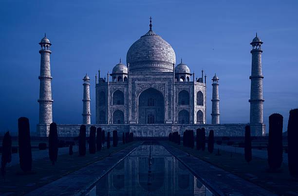 Taj Mahal At Twilight, Agra, India Agra, India taj mahal stock pictures, royalty-free photos & images