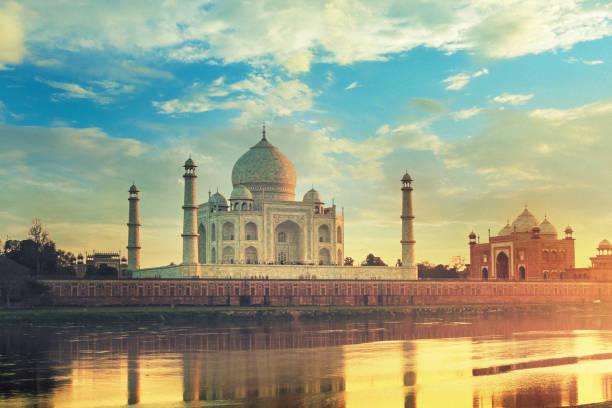 Taj Mahal in Agra, India at sunset Taj Mahal, monument in Uttar Pradesh taj mahal stock pictures, royalty-free photos & images