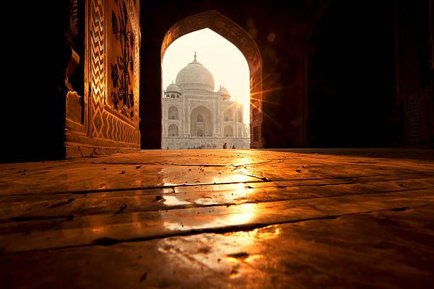 Taj Mahal Taj Mahal in Agra, India agra stock pictures, royalty-free photos & images