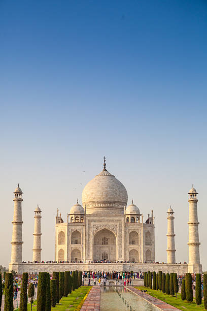 free informative speech on tajmahal This essay is for school students of class 5,6,7,8,9,10 it also contains lot information about taj mahal (tajmahal.