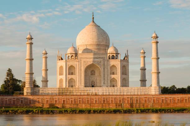 Taj Mahal Taj Mahal Delhi at early morning, Agra, Delhi, India taj mahal stock pictures, royalty-free photos & images