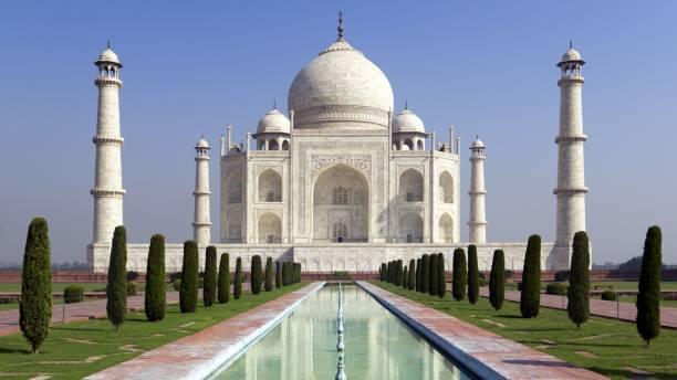 Taj mahel symbol of love taj mahal stock pictures, royalty-free photos & images