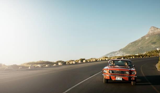 manzaralı yoldan - araba yolculuğu stok fotoğraflar ve resimler