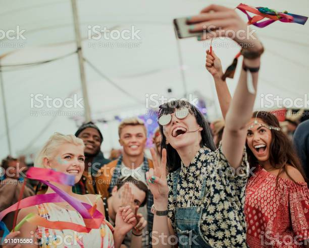 Taking a selfie at a music festival picture id911015580?b=1&k=6&m=911015580&s=612x612&h=evvy pemjq6tvf6iiwt3ep6m1lmihulcvte bqyppjg=