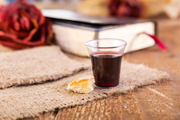 taking communion - communion stock pictures, royalty-free photos & images