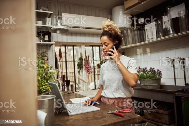 Nehmen Ihre Erste Bestellung Für Den Tag Stockfoto und mehr Bilder von Am Telefon