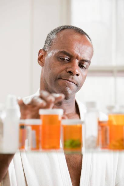 die medikamente - lieblingsrezepte stock-fotos und bilder