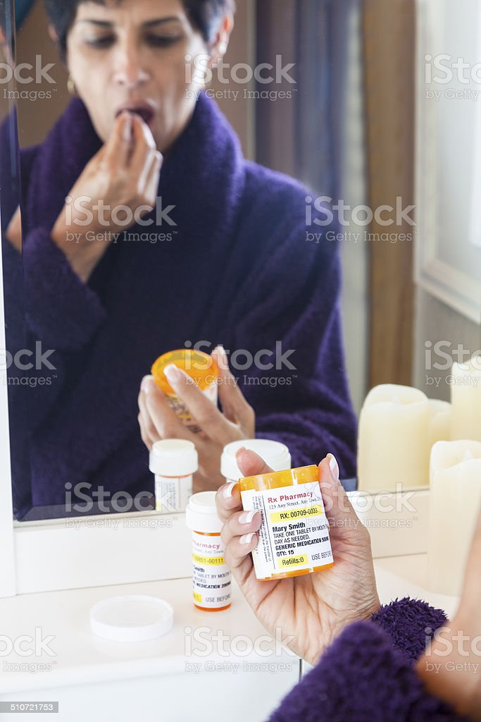 Medikament nehmen – Foto