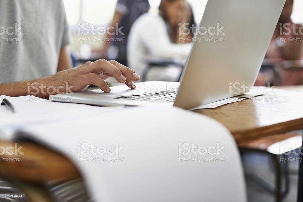 Tomar notas durante uma palestra - foto de acervo
