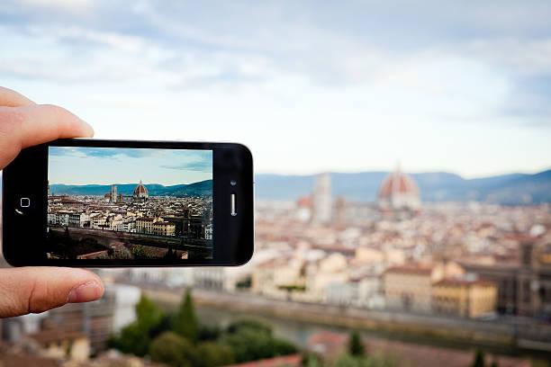 die aufnahme von florenz mit iphone 4 - giotto stock-fotos und bilder