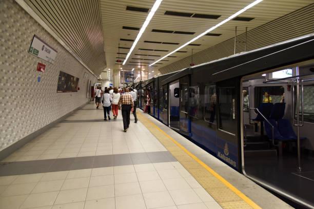 taksim (istanbul metro) - wiedenmeier istanbul stock-fotos und bilder