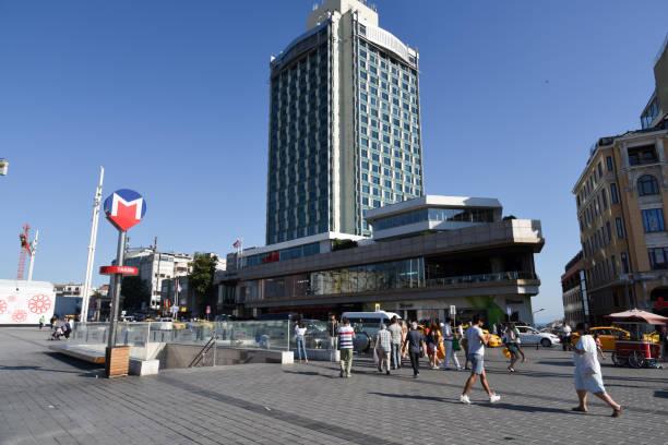taksim-platz istanbul - wiedenmeier istanbul stock-fotos und bilder
