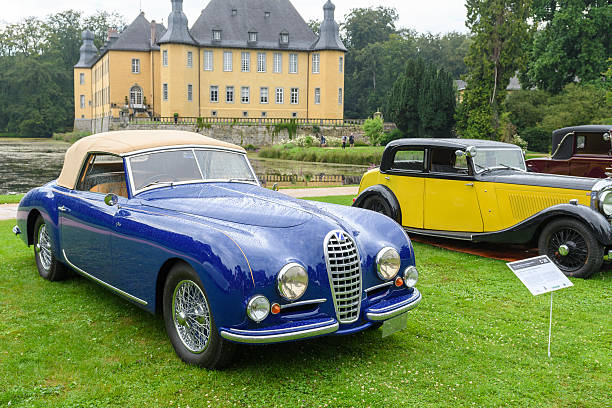talbot lago t26 record drophead and bentley parkward classic cars - 1934 photos et images de collection