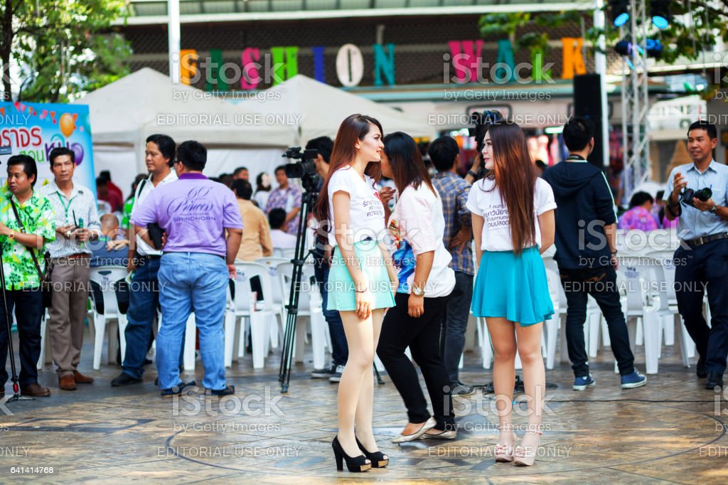 How to talk to thai girls