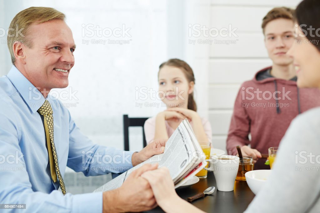 Talking to wife foto stock royalty-free