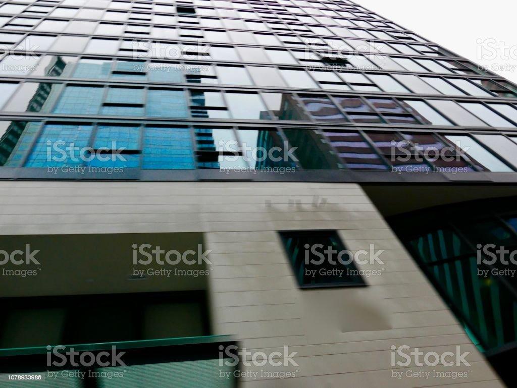 Tall Buildings mit vertikalen Linie Exteriors – Foto