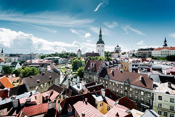 tallinn cityscape, estonia - estonya stok fotoğraflar ve resimler
