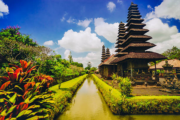 taman ayun the royal family temple in bali, indonesia - indonésie photos et images de collection