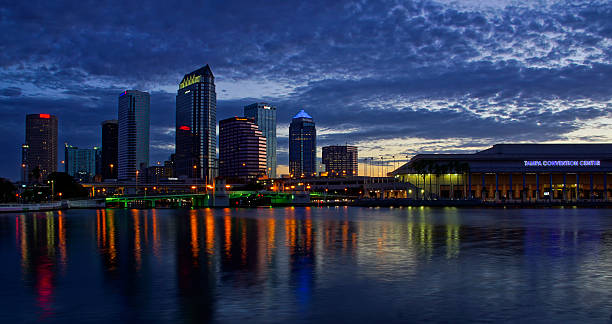 Tampa Florida City Skyline at Sunrise – Foto