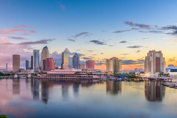 Tampa, Florida, USA Downtown Skyline an der Bucht – Foto