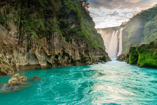 Tamul Waterfall vista Del Río y cascada de Tamul en la huasteca potosina san luis potosi stock pictures, royalty-free photos & images