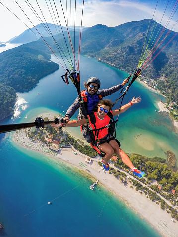 DCIM\\100GOPRO\\G0104802.Tandem jump in paragliding.