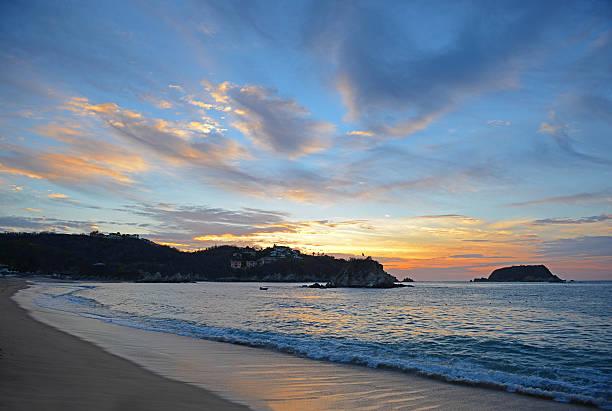Tangolunda Sunrise - foto de stock