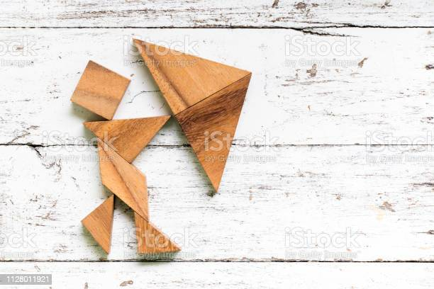 Tangram puzzle in man hold umbrella shape on old white wood picture id1128011921?b=1&k=6&m=1128011921&s=612x612&h=ziv5x0ezr0q3brmpdyuyhcbo1ps 9lfpdiosifh3t6m=