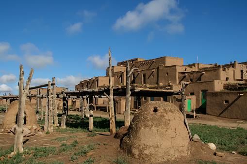 File:I Taos Pueblo, NM, USA (2).jpg - Wikipedia  |Taos Pueblo New Mexico Usa