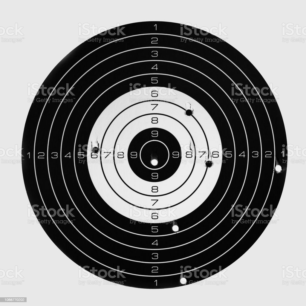 Target after accurate shooting, hit the bull\'s eye