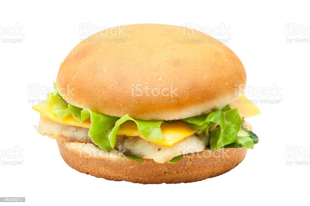 Hambúrguer saboroso peixe com salada de alface - Foto de stock de Alface royalty-free