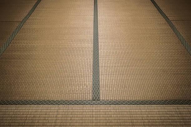 畳マットは、伝統的な和室の床材として使用されます。 - 畳 ストックフォトと画像