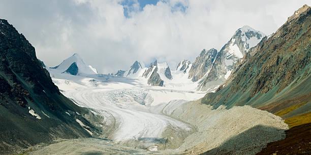 bogda tavan lodowiec, mongolia - państwowy rezerwat przyrody altay zdjęcia i obrazy z banku zdjęć