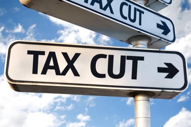 steuern-schnitt - wirtschaftsrecht stock-fotos und bilder
