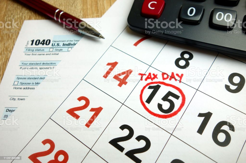 form 1040 due date  Usa Tax Due Date Marked On Calendar Stock Photo - Download ...