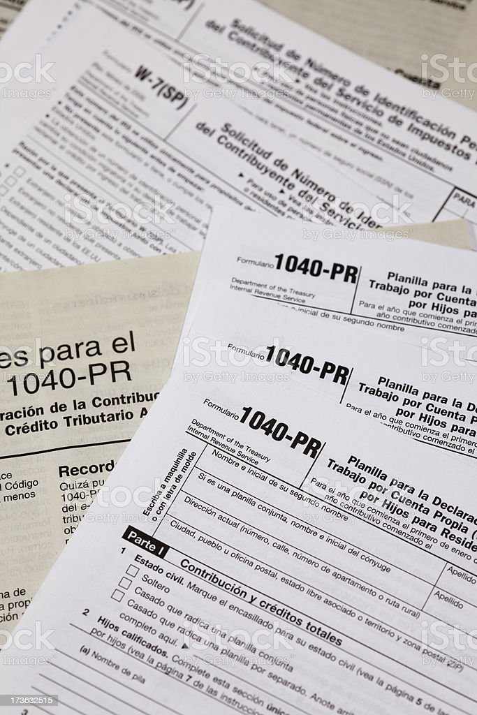 Tax Form 1040 For The Irs In Spanish Stock Photo & More