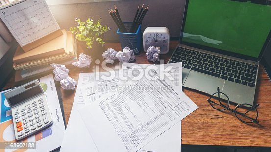 istock Tax payment 1168907188
