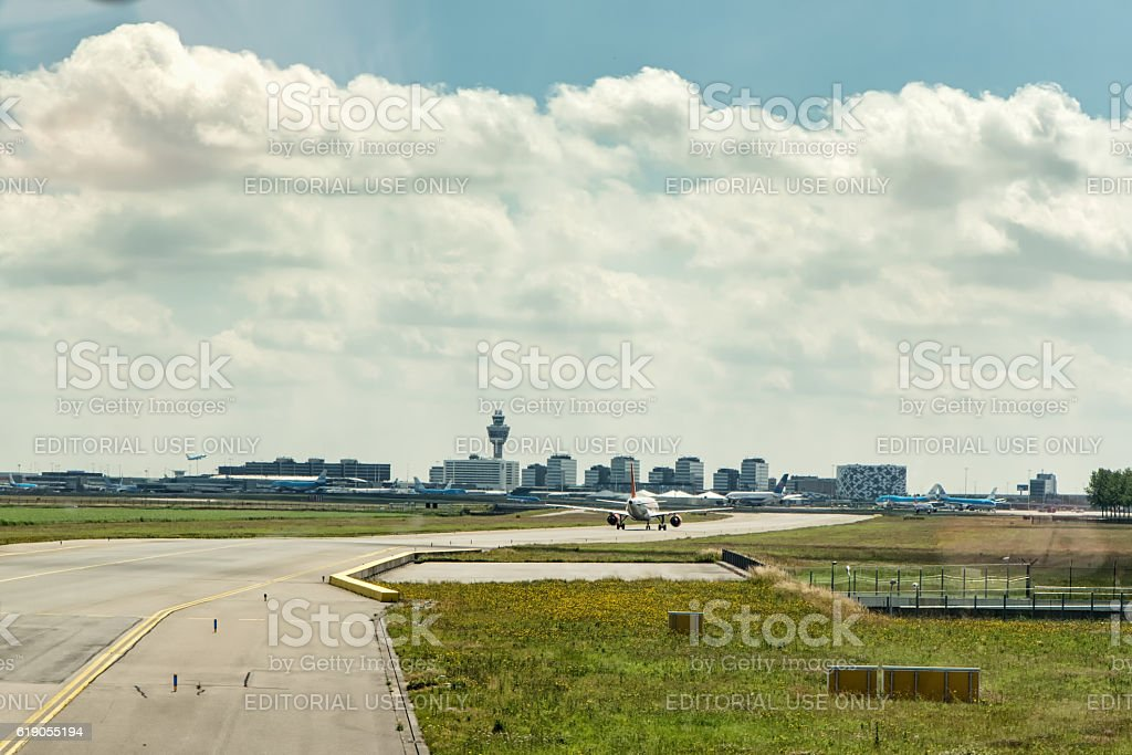 Taxiing at Amsterdam Schiphol Airport - Royalty-free Bedrijfsleven Stockfoto