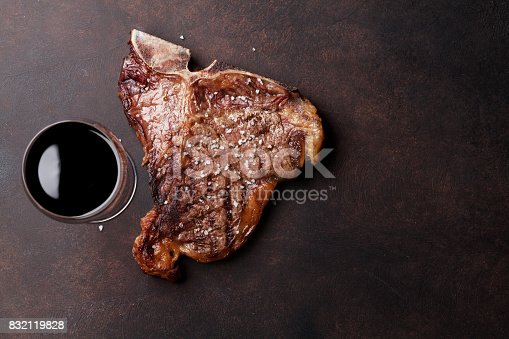 808351132 istock photo T-bone steak 832119828