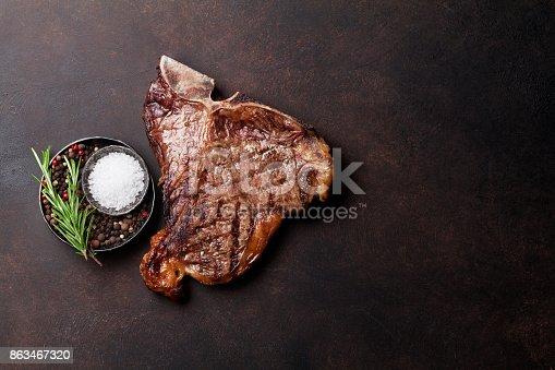 916096852 istock photo T-bone steak 863467320