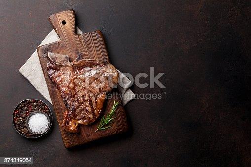 808351094istockphoto T-bone steak 874349054
