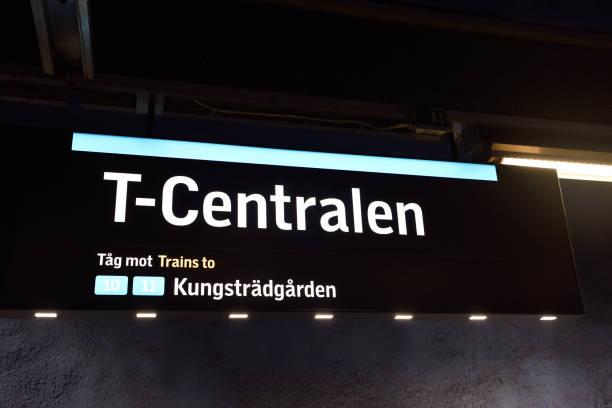 t-centralen skylt i stockholms tunnel bana. - tunnel trafik sverige bildbanksfoton och bilder