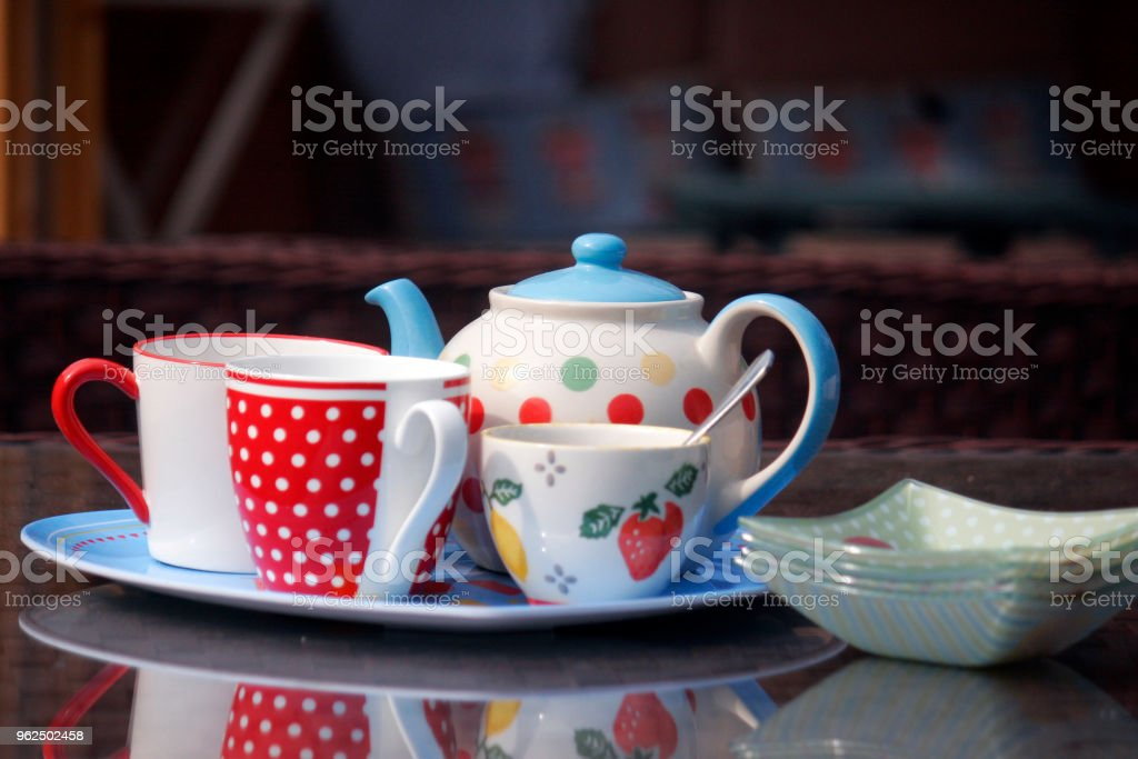 Tea and cream cakes - Royalty-free Afternoon Tea Stock Photo