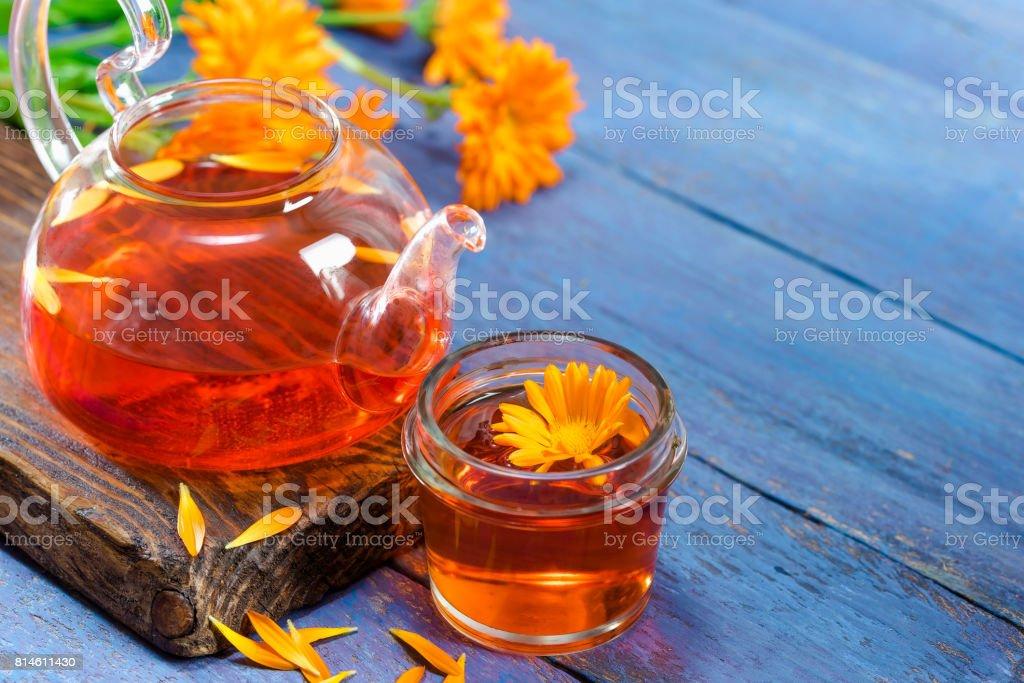 Chá e calêndula - foto de acervo