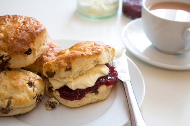 tea and scones the british way - scone bildbanksfoton och bilder