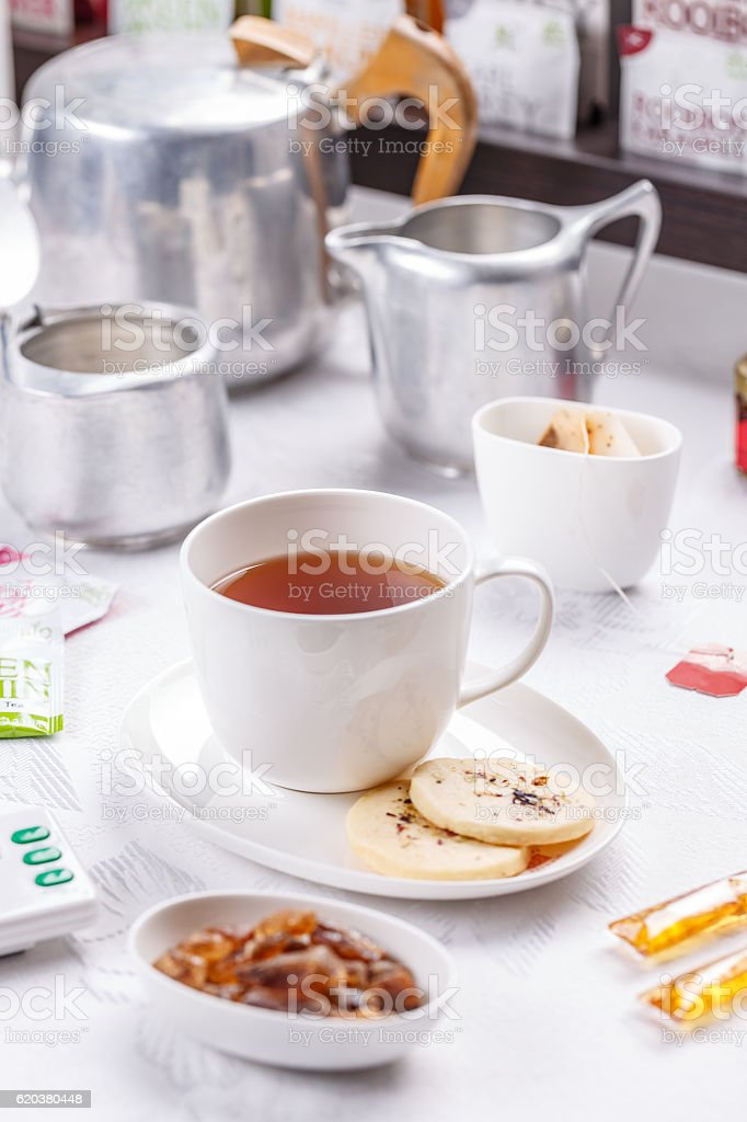 Tea and shortbread biscuit foto de stock royalty-free