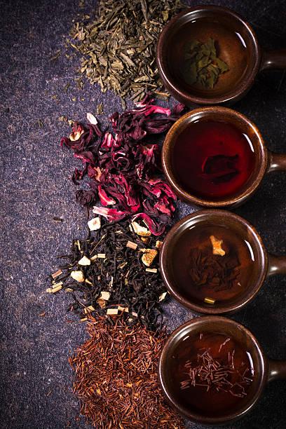 tee-sortiment - grüner tee koffein stock-fotos und bilder