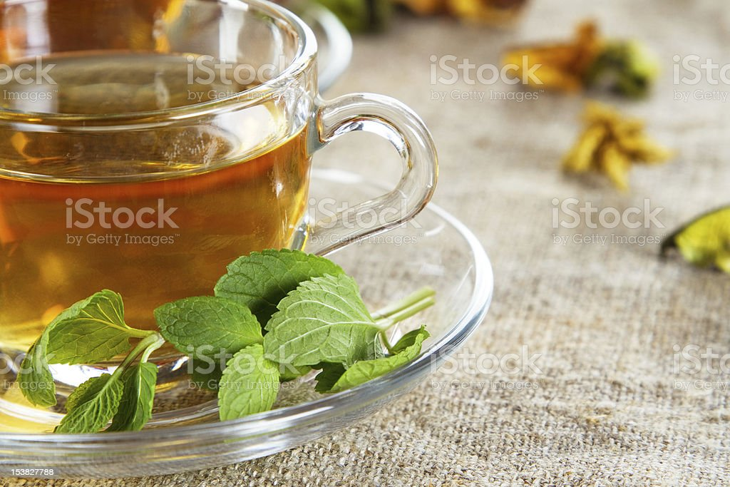 Tea cup with fresh mint leaves - Royalty-free Black Color Stock Photo